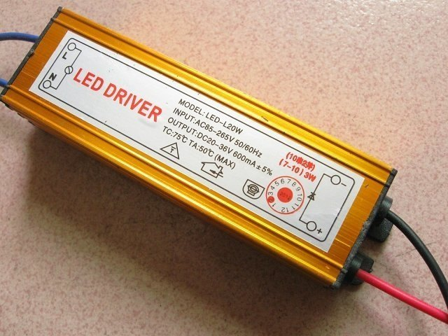 Transformador Driver LED 20/36v CC 600mAh